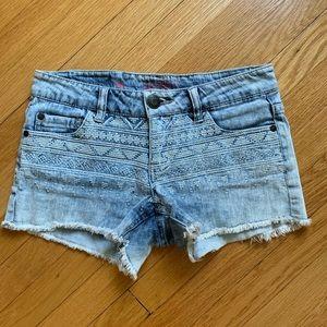 embroidered cutoff shorts 🌸 celebrity pink denim
